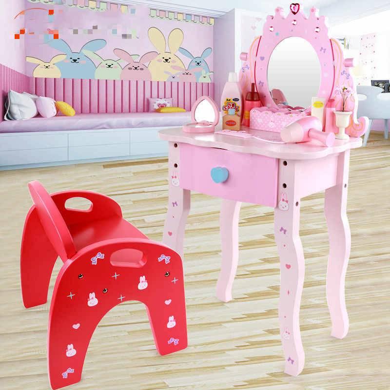 Туалетный столик с зеркалом в спальню для девочки