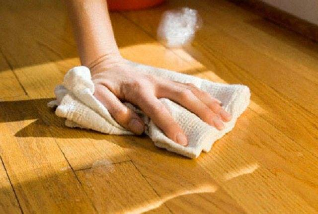 Ремонт своими руками: устраняем сколы и трещины на ламинате