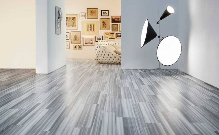 Коричневый ламинат в интерьере - как правильно сочетать состенами и мебелью
