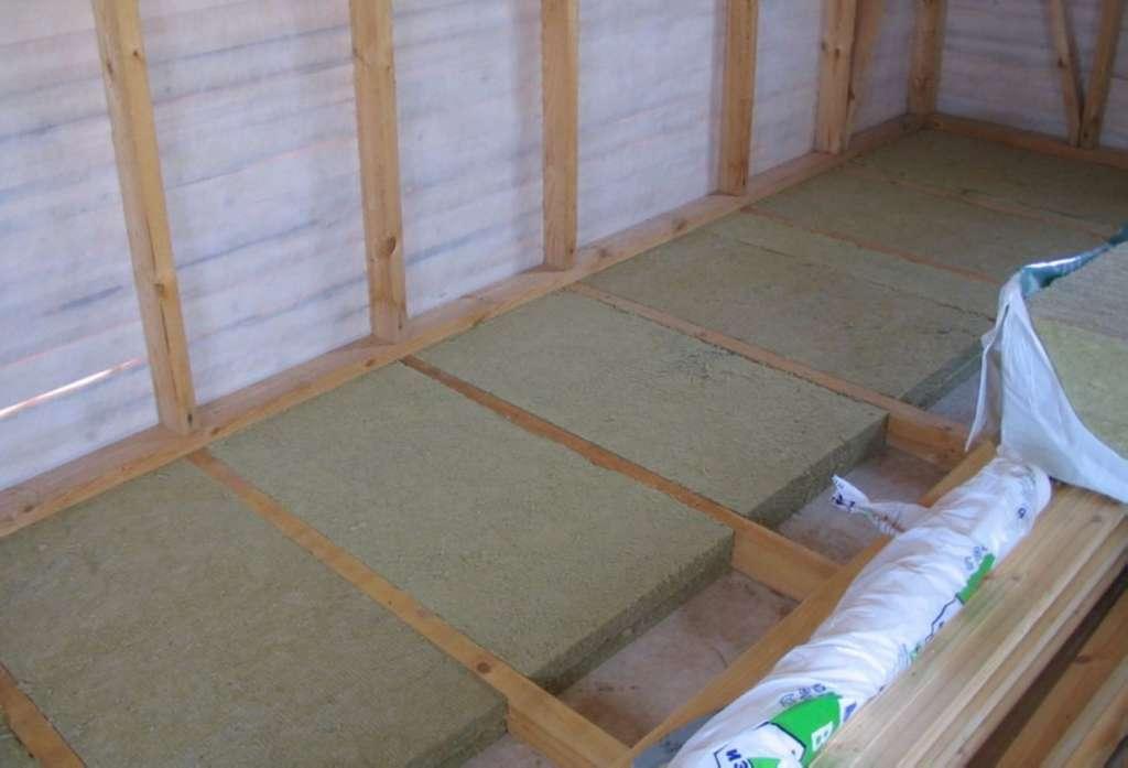 Как правильно обустроить теплые полы под ламинат в деревянном доме