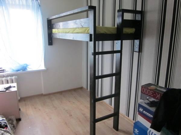 Двуспальная кровать-чердак: достоинства и недостатки, монтаж