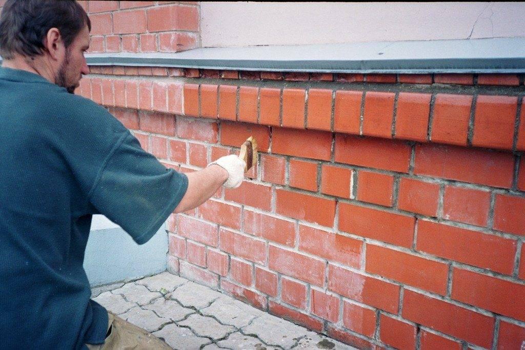 Грунтовка для наружных работ: фасадный состав глубокого проникновения, по бетону и по дереву, по металлу и ржавчине, как выбрать и рассчитать расход