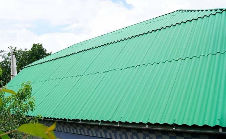 Как покрасить крышу дома из металла и шифера: выбор краски и правила нанесениястройкод