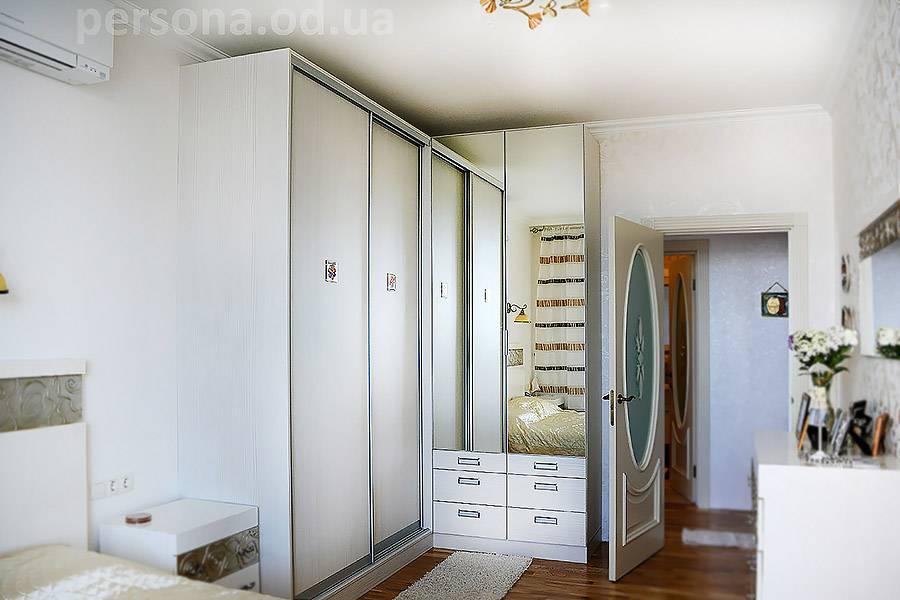 Плюсы и минусы 4 популярных разновидностей гардеробных систем