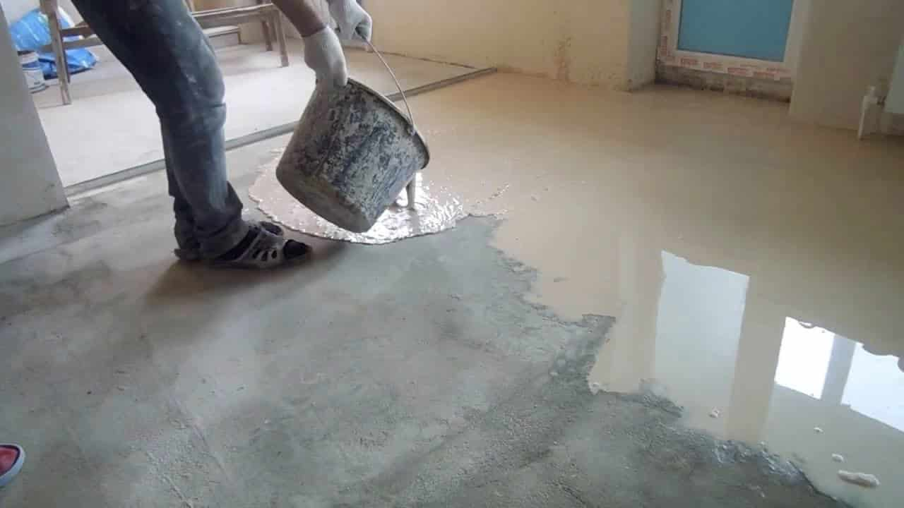 Финишное выравнивание пола: как готовится финишная смесь, инструкция для заливки бетонного пола самовыравнивающейся смесью своими руками