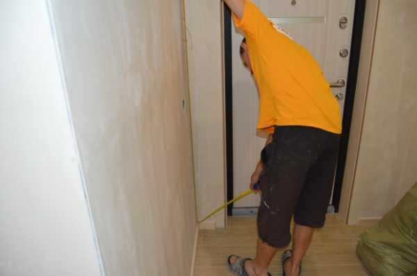 Ремонт своими силами: как поклеить флизелиновые обои у себя дома, не имея навыков