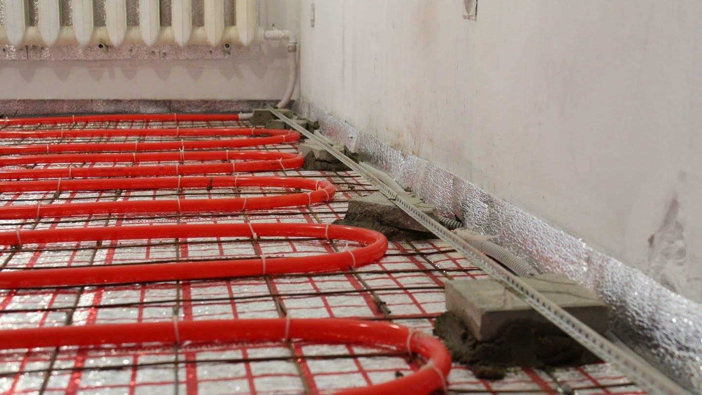 Ремонт теплого пола своими руками: устранение трещин в стяжке и на трубах в квартире