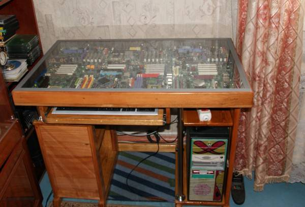 Компьютерный стол своими руками: пошаговая инструкция по изготовлению