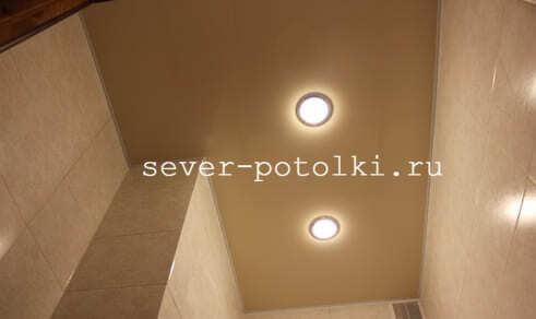 Зеркальные потолки в ванной комнате: виды, преимущества, дизайн