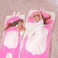 Мешок для сна для новорожденных: плюсы, способ использования