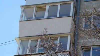 Нюансы обшивки балкона сайдингом внутри