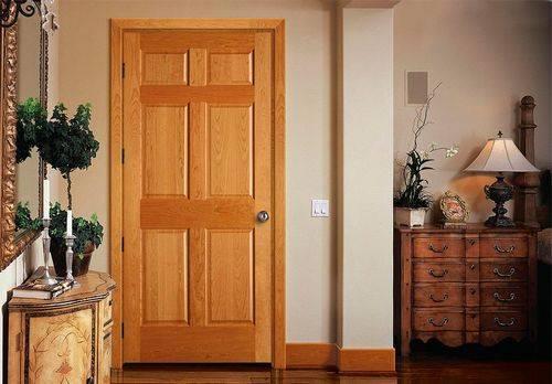 Неокрашенные деревянные двери: породы дерева для полотна