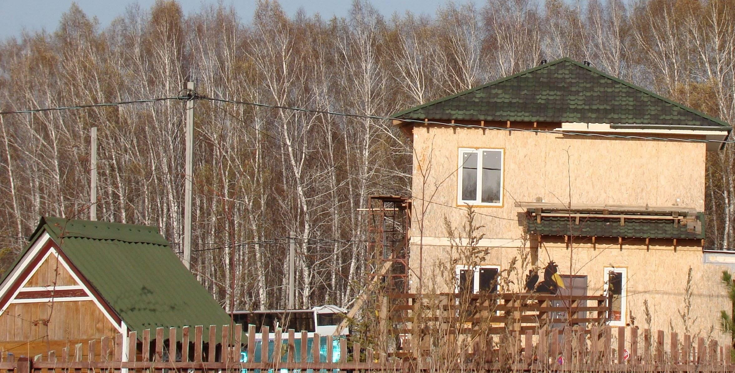 Пока течь не разлучит: как долго прослужит крыша из металлочерепицы, профнастила, ондулина и шифера