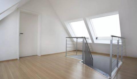 Какой гипсокартон лучше использовать для потолка мансарды