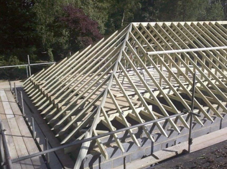 Как сделать двускатную крышу своими руками