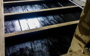 Защита от влаги деревянного пола в ванне: материалы и технология гидроизоляции шаг за шагом
