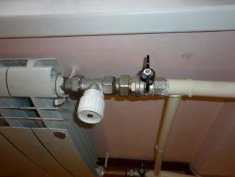 Термостат для батареи отопления: виды термодатчиков, кран для радиатора с терморегулятором, ручной регулятор температуры, электронный термокран, как правильно устанавливать, установка выносного регулятора