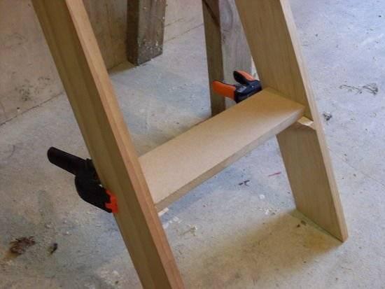 Как сделать приставную лестницу своими руками?