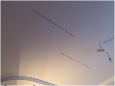 Как заделать трещину на потолке своими силами? (20 фото)