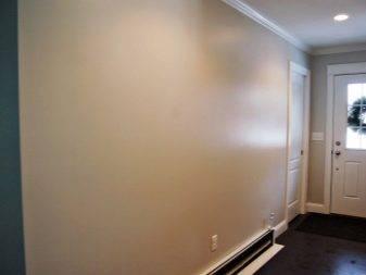Как покрасить стены в квартире своими руками фактурной краской: способы