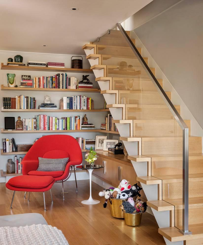 Шагая в ногу со стилем: 50 удивительных авторских лестниц в потрясающих интерьерах