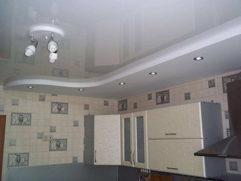 Потолки из гипсокартона на кухне - фото примеров