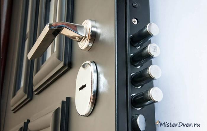 Установка замка в входную железную дверь: как поставить механизм самостоятельно