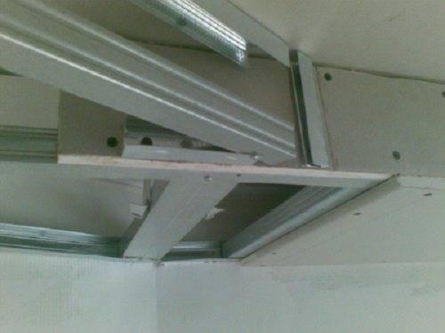Крепление натяжного потолка к гипсокартону — установка своими руками