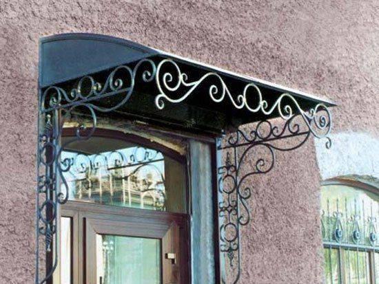 Козырьки с поликарбонатом (63 фото): навес над крыльцом и входом в частном доме своими руками, готовые проекты