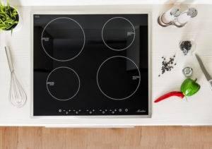 Электрическая или индукционная варочная панель: чем отличаются и какую поверхность лучше выбрать? плюсы и минусы варочных панелей