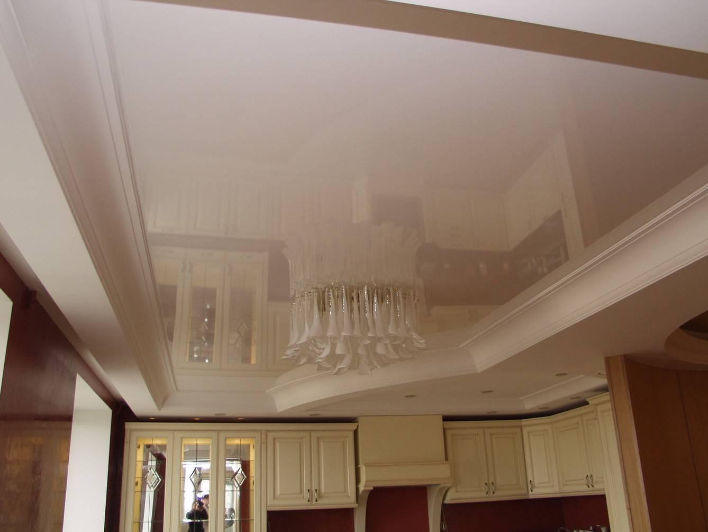 Как установить галтели для натяжных потолков – варианты монтажа потолочных плинтусов из разных материалов