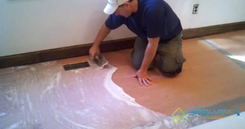 Укладка линолеума на бетонный пол: технология работ