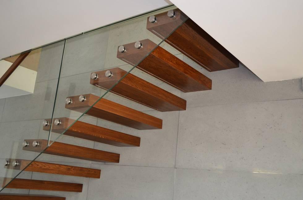 Как сделать деревянную лестницу на косоурах своими руками: расчет и конструкция