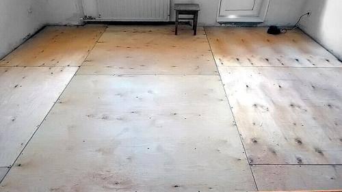 Выравнивание пола (51 фото): смеси для выравнивания напольного покрытия, как выровнять старый пол фанерой своими руками, выравниваем деревянную конструкцию
