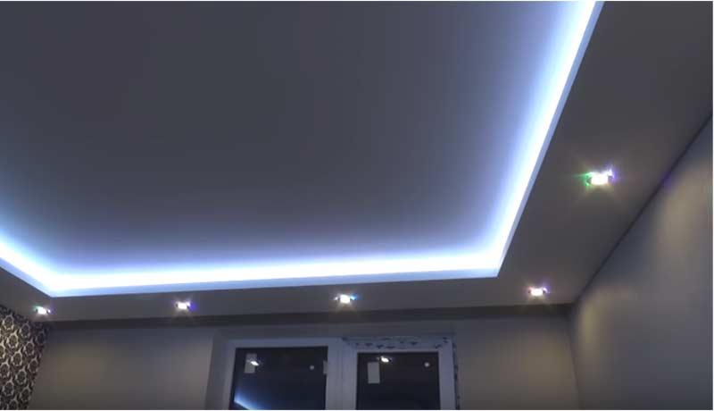 Монтаж светодиодной ленты для натяжного потолка своими руками – подробная инструкция, плюсы и минусы