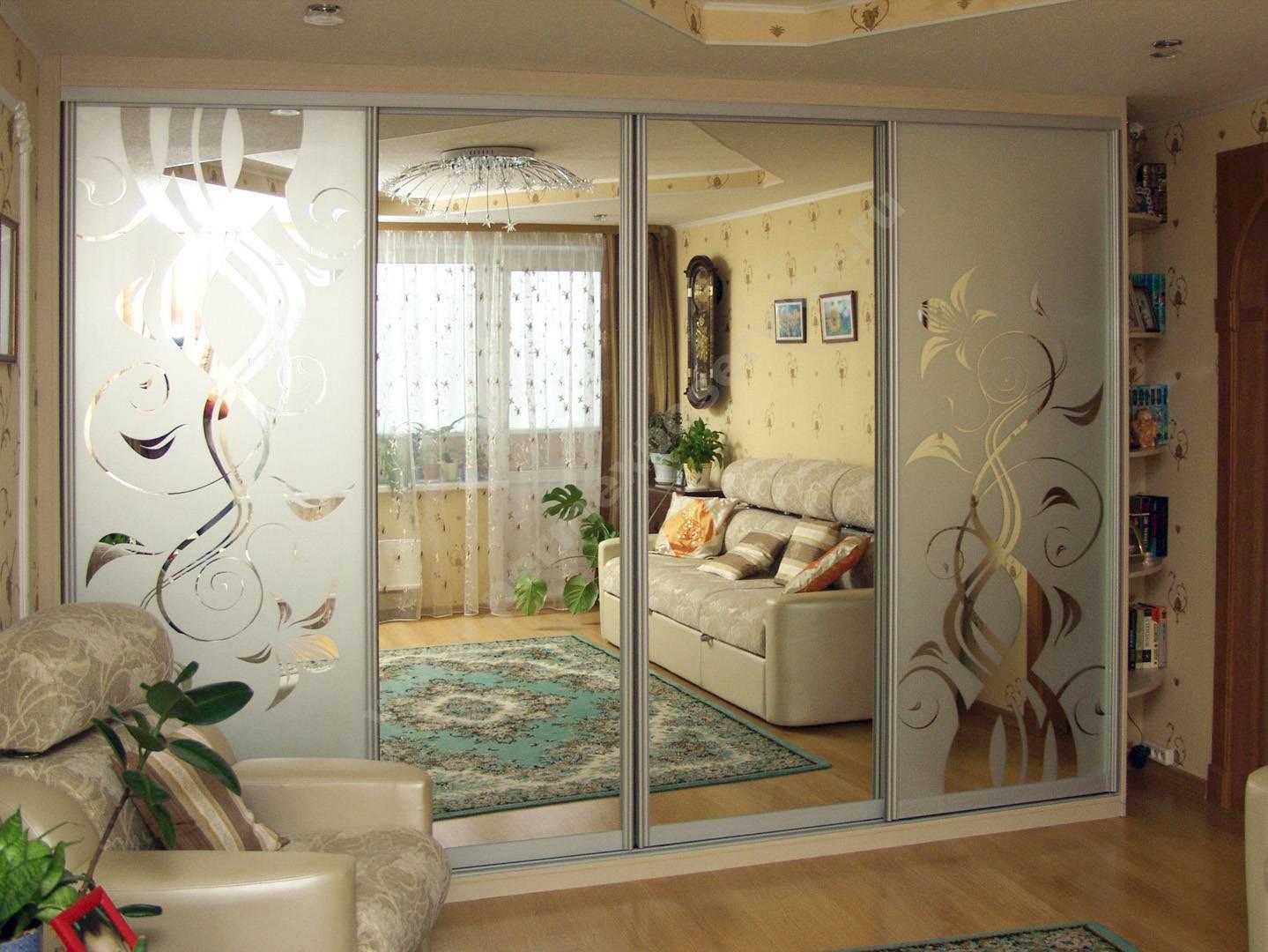 Шкаф-купе в гостиную: угловой, встроенный, дизайн с фото