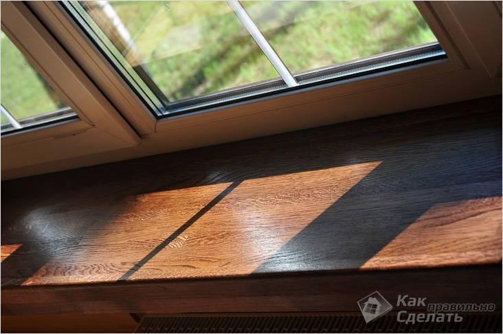 Установка подоконника в деревянном доме