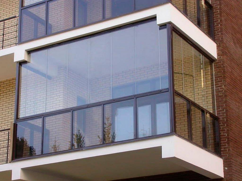 Балконный блок: преимущества, виды, замена своими руками