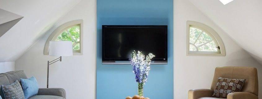 Телевизор над камином - можно ли вешать? 50 фото в интерьере + идеи расположения