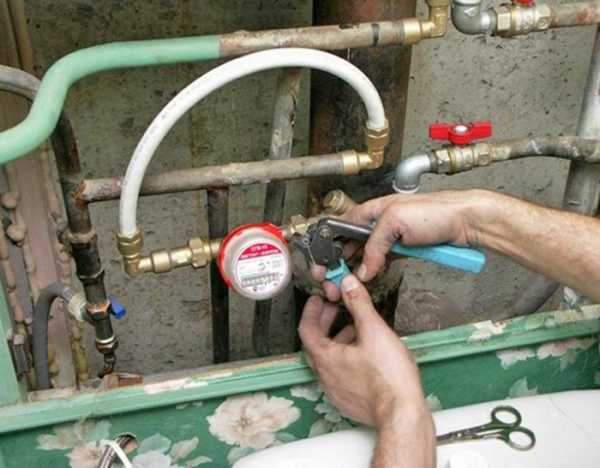 Как установить счетчики на воду. в квартире или частном доме. инструкция своими руками + видео