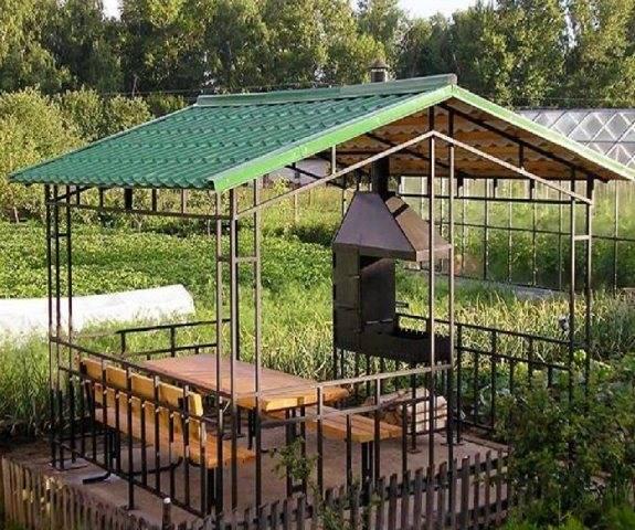 Беседка с односкатной крышей для дачного участка