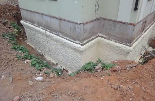 Чем и как утеплить фундамент и цоколь дома?