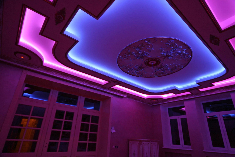 Натяжной потолок с подсветкой: красивые решения в интерьере
