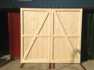 Как сделать двери из дерева своими руками