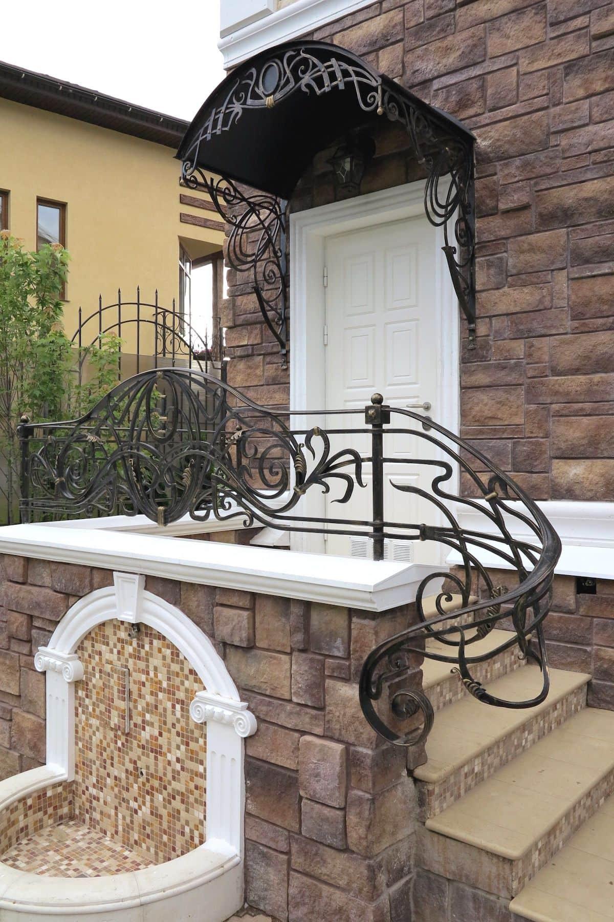 Крыльцо к дому своими руками: варианты оформления, красивые проекты, особенность монтажа (фото)