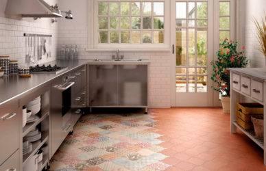 Кафель на кухню дизайн (35 фото): укладка и сочетание кафеля и ламината цвета темное дерево