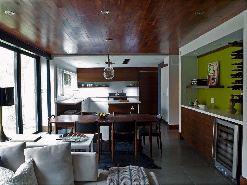 Ламинат на потолок (51 фото): монтаж и укладка покрытия, как закрепить материал в деревянном доме, удачная отделка потолочного изделия