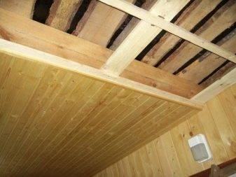 Вагонка на потолок своими руками, как правильно сделать укладку  и отделку, как прибивать материал, особенности монтажа, детали на фото и видео