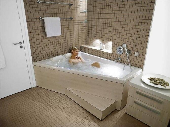 Какая ванна лучше: акриловая, стальная или чугунная?