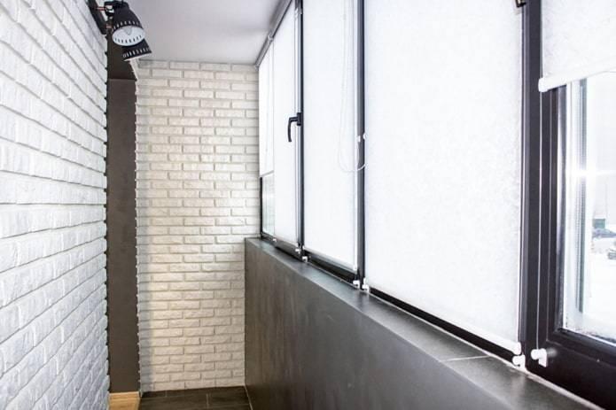 Отделка балкона камнем: правила выполнения своими руками и выбор материала